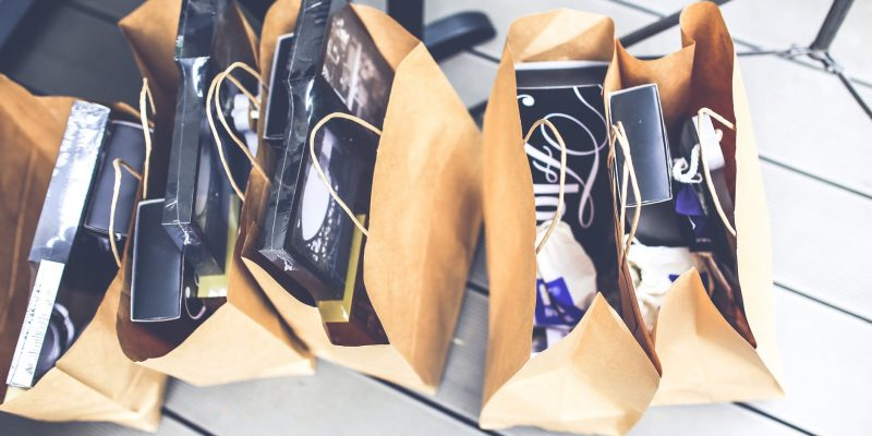 gift-brown-shopping-market.jpg